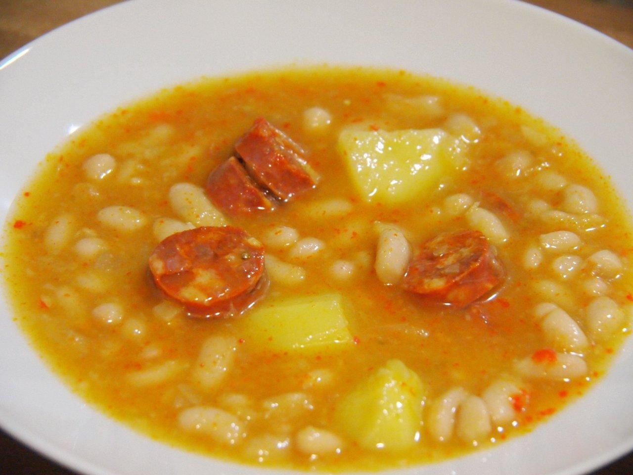 Alubias con chorizo cocina sin carn - Judias con chorizo y patatas ...