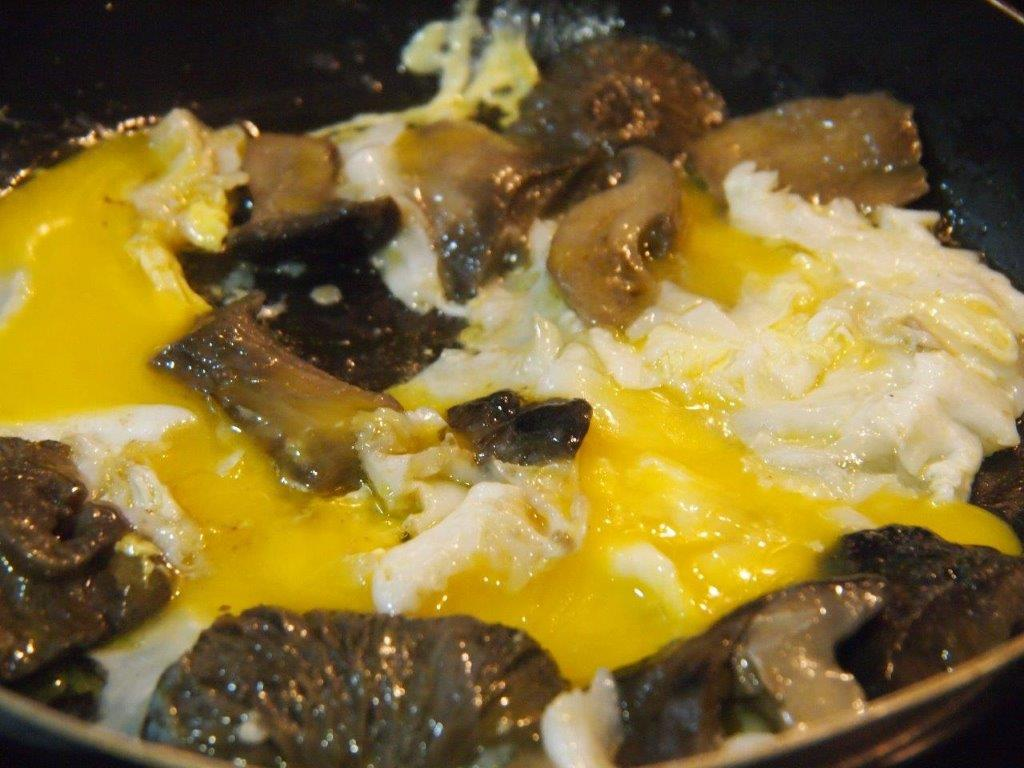 revuelto de huevo de oca y marzuelos cocina sin carn