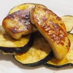 Foie sobre tempura de berenjenas