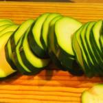 Carpaccio de calabacín  jamón  pipas