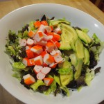 Ensalada de surimi y aguacate
