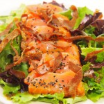 Sashimi  salmón  brotes verdes