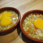 Cazuela hortelana con huevo de oca