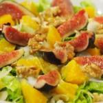 Ensalada lechuga higos naranja