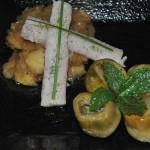 anguila ahumada sobre chutney de manzana