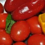 tomates para gazpacho de picotas con toque de albahaca