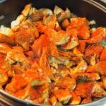Níscalos estofados patatas pimentón