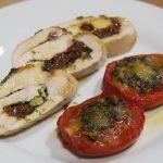 Pechugas de pollo rellenas de ajope y tomates secos