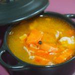 Sopa de caldo de cordero y lenteja roja