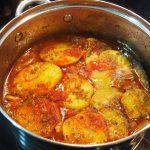 Cazuela criolla de patatas y berenjenas cocinada