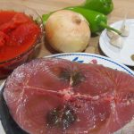 Ingredientes para Taco de atún con tomate sobre trigo tierno