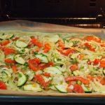 coca de verdura lista para el horno