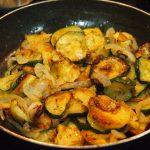 Verduras con huevos y tacos de sobrasada