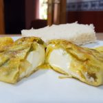 tortilla de verduras y queso cremoso